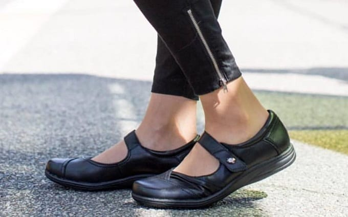 Arch on womans shoes